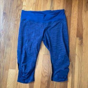 Lululemon blue and black cropped leggings
